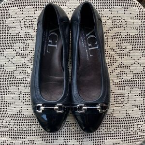 AGL black cap toe leather flats. Made in Italy 39